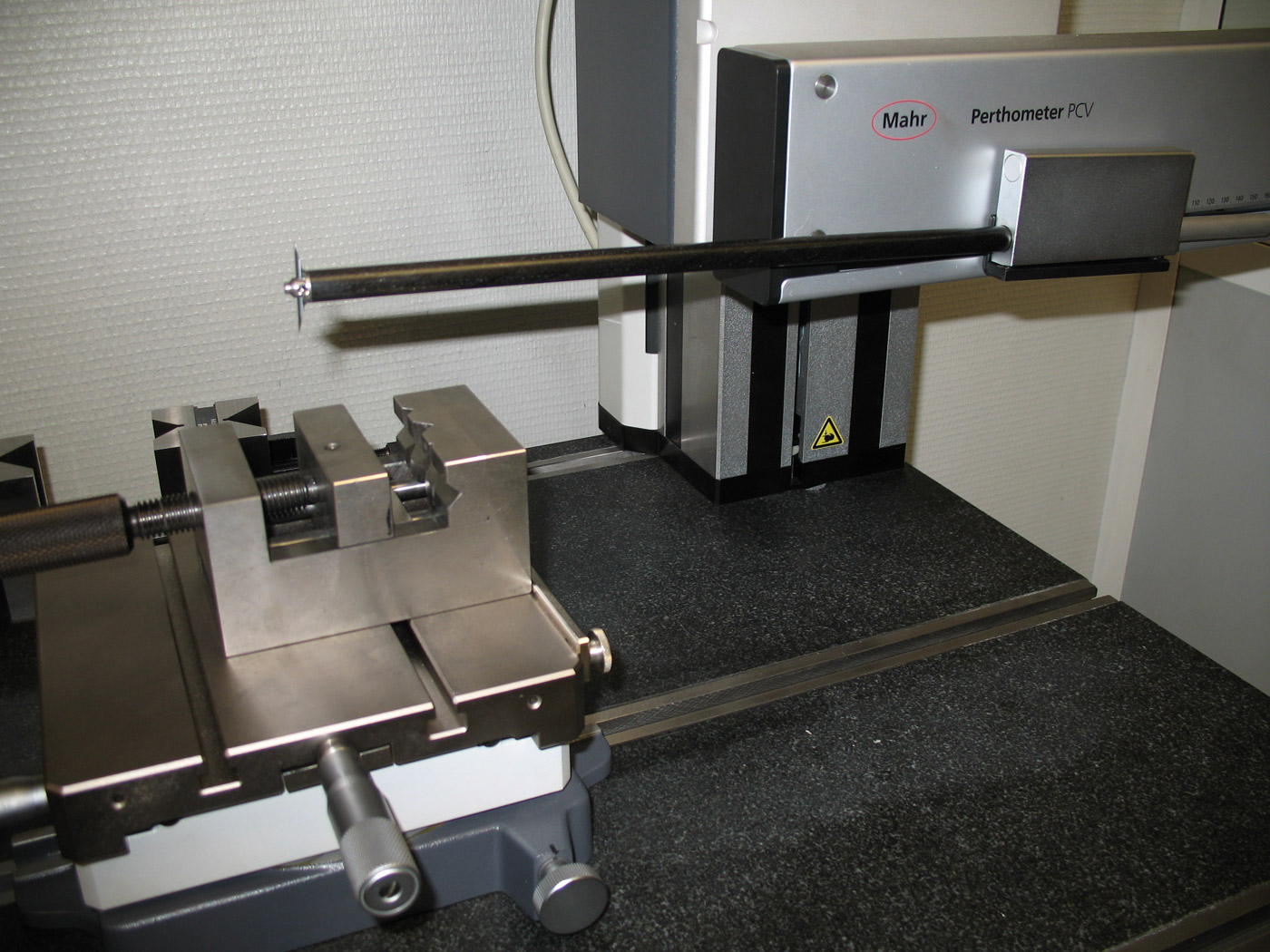 CONTOUR-MEASURING-MACHINE
