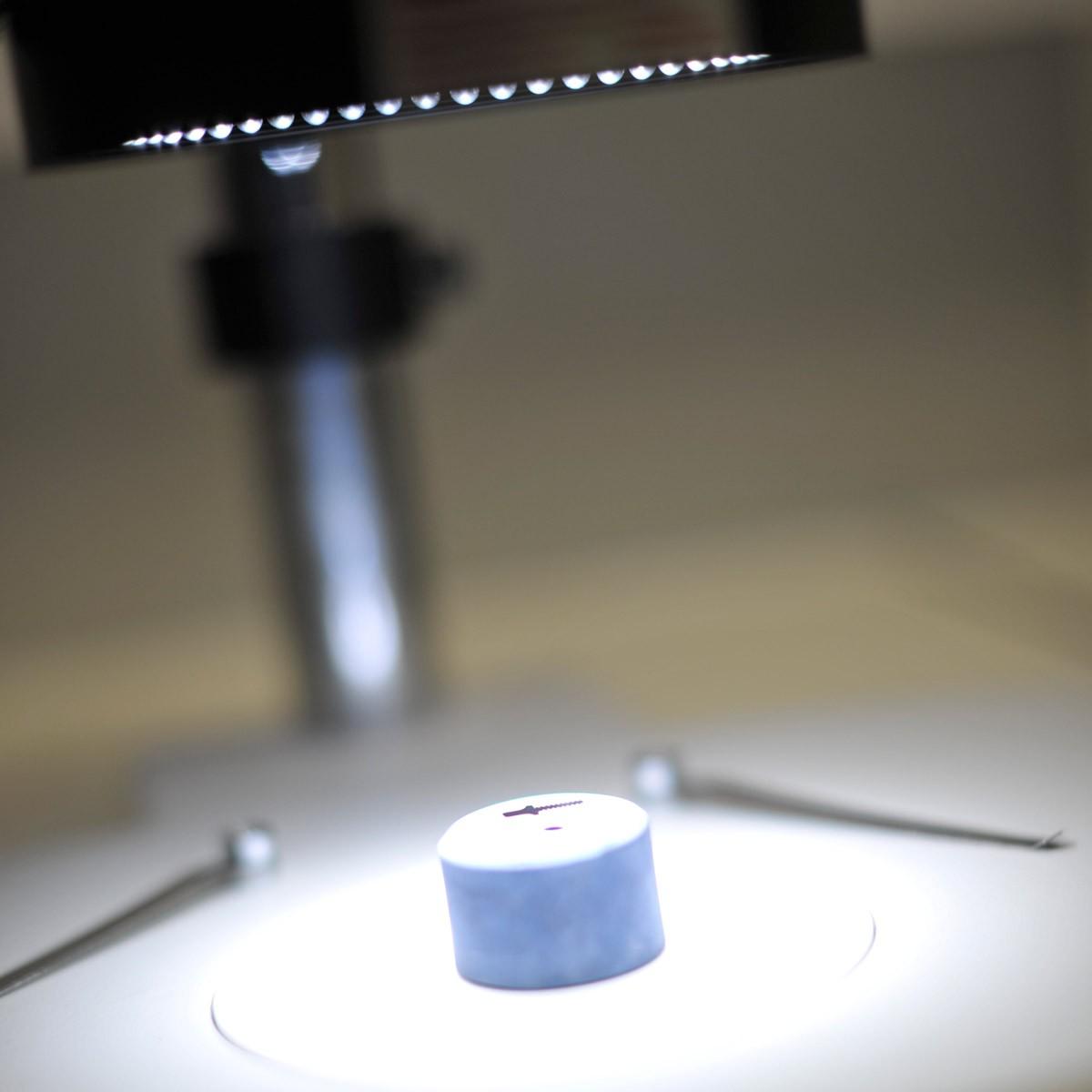 METALLOGRAPHY-BINOCULAR-MICROSCOPE