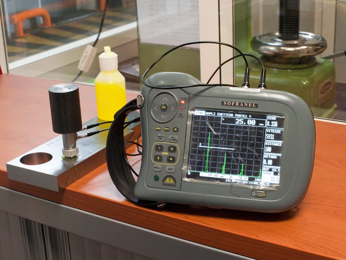 ultrasonic testing device - ANDRE LAURENT